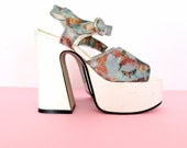90's Platform floral butterfly illusion heels size - 5 1/2
