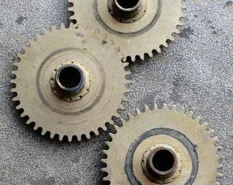 Vintage clock brass gears -- set of 3 -- D7