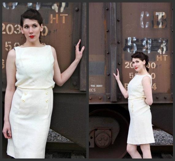 1960's. cream. mad men. button up waist. wiggle dress. vintage dress. Sz m.