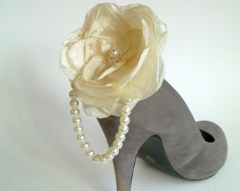 Bridal Ivory Shoe Clips Flowers with Pearls Accent-Wedding Shoe Clips