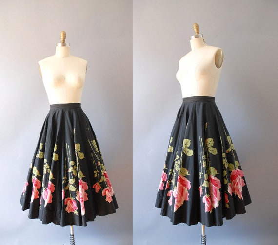 r e s e r v e d 1950s Circle Skirt / Ring of Roses Skirt / 50s