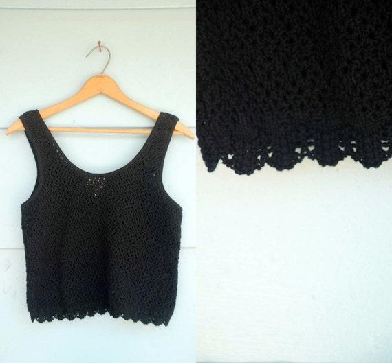 1990s. black crochet crop tank with scallop hem. xs-m