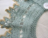 Delicate crochet collar in alpaca silk yarn edged with linen