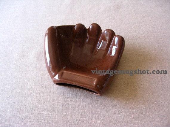 "Ceramic Baseball Glove 4 1/2"" Vintage Exc. Mitt Soap dish or Vase"