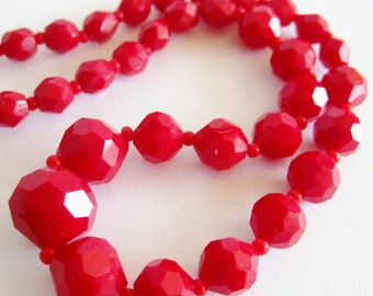 Vintage 50s Cherry Red Graduated Glass Bead Mad Men Glamour Girl Choker Necklace