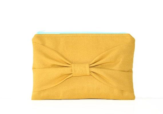 bow clutch in mustard linen / fall fashion / linen / bridesmaids / bow