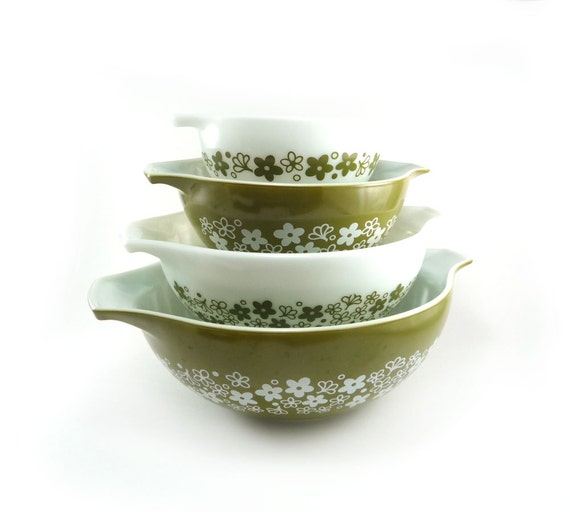 Unused Pyrex Spring Blossom cinderella bowls - vintage green white nesting mixing bowls