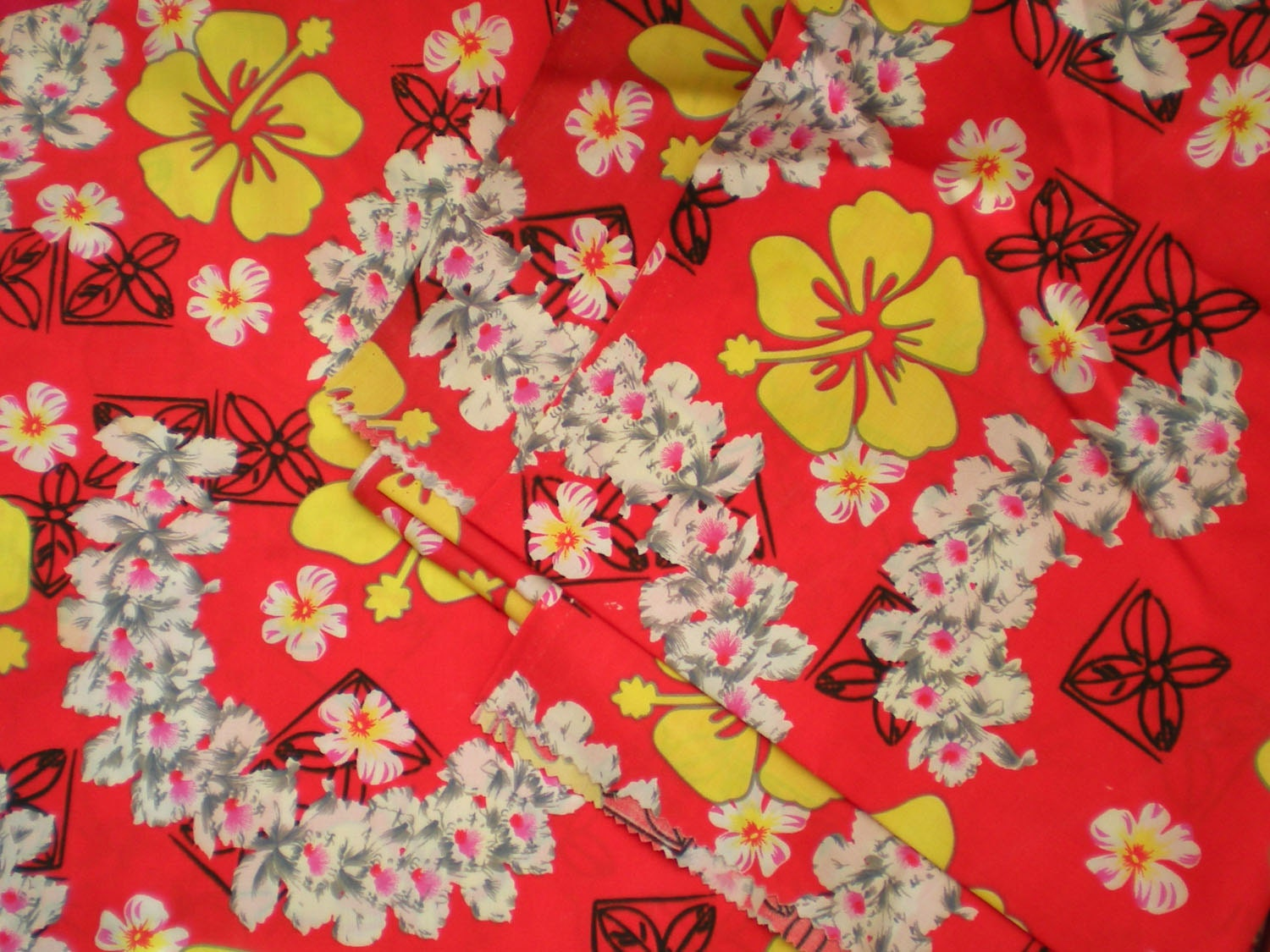 Vintage 1980s Hawaiian Fabric Tiki Floral Print By