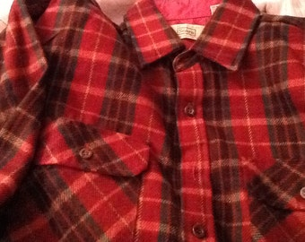 Vintage SEARS Red and Green Plaid Shirt Buttondown Shirt Medium 15-15 1/2