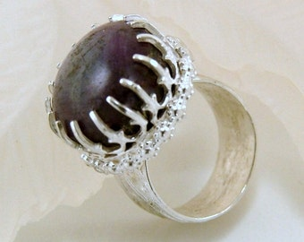 Purple Sapphire and Sterling Silver Ring - Size 5