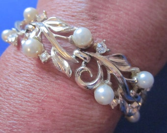 Vintage LISNER Bracelet - Gold Tone Leaves with Faux Pearls & Rhinestones