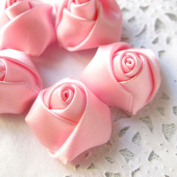 15PCS 20mm Small satin handmade fabric rose flower appliques for dresses Pink (28-13-92)