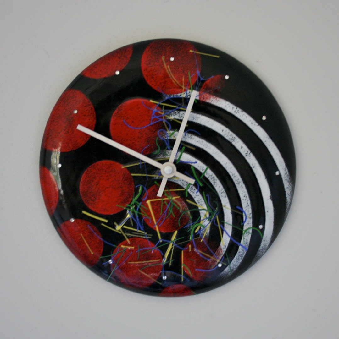 Enameled copper wall clock red and black retro 80s new wave for Red and black wall clock