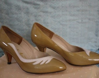 "1950's Taupe and Pastel Pink ""Valley"" Brand Heels Size 6BROAD"