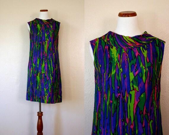SALE Vintage Dress / 60's Sleeveless neon shift / Medium