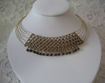 AWESOME CHOKER NECKLACE Fabulous Design Great Look Glass Stones