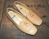 STUART WEITZMAN perforated leather LOAFERS size 6.5-7