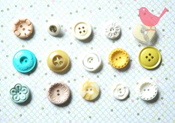Vintage buttons - 15 colorful flower buttons lot 37