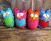 Felt Owl Baby Shower Favor, Plush Toy, Party Gift, Pocket Owl Stuffed Animal, Cute Woodland Toy, Hand Sewn Embroidery