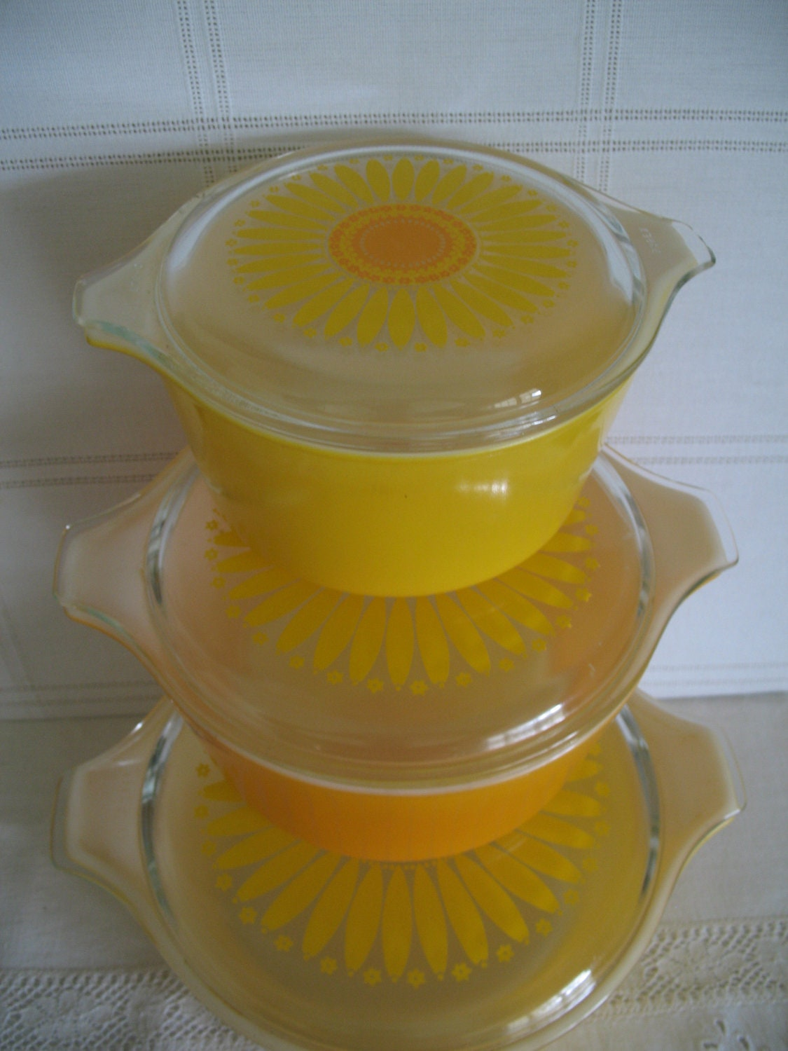 1960 S Pyrex Sunflower Dishes Set Of 3 Bowls