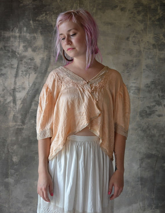 1940s Peach Pink Silk and Lace Blouse