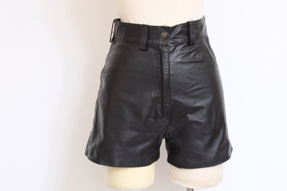 80's Super High Waisted Leather Shorts size xS/S