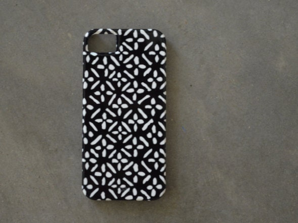 iPhone 5 Case - White Cross-diamonds on Black