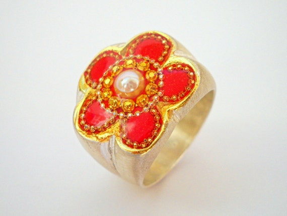 Pearl ring Red flower ring Sterling silver ring  red gold flower ring inlaid with a pearl and decorated with golden dots flower top ring