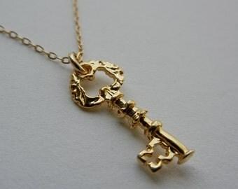 Little Skeleton Key Necklace (Gold)