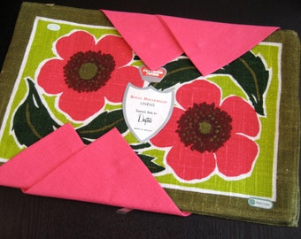 Royal Irish Luncheon. Placemat and napkin set for 4, MIP, Irish linen and poppy. Excellent condition.