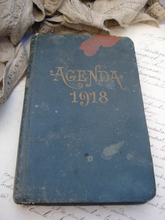 Old french 1918 diary journal hand written