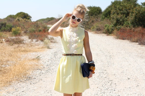 VTG 1960s 60s Yellow Sleeveless Dress w/ Crochet Detailing S/M