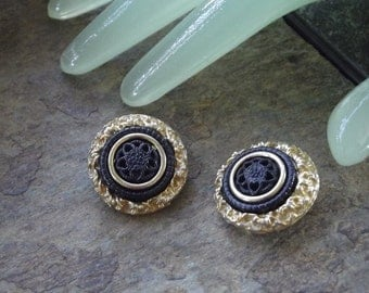 "Vintage 1 ""  Goldtone Black Center Flower Design Clip On Earrings"