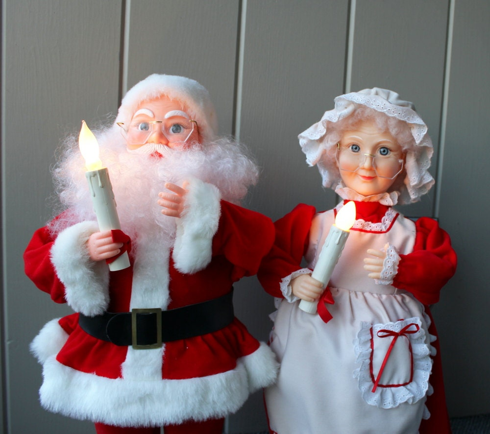 Santa and mrs claus animated figurine christmas decorations for Animated santa claus decoration