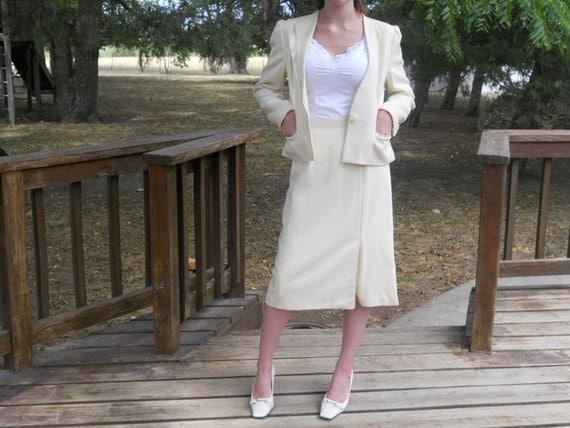 Skirt Suit Cream Jacket Women's Clothing Vintage Size 7/8 Woman's Suit
