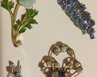 Group of 5 Vintage Brooches / Pins