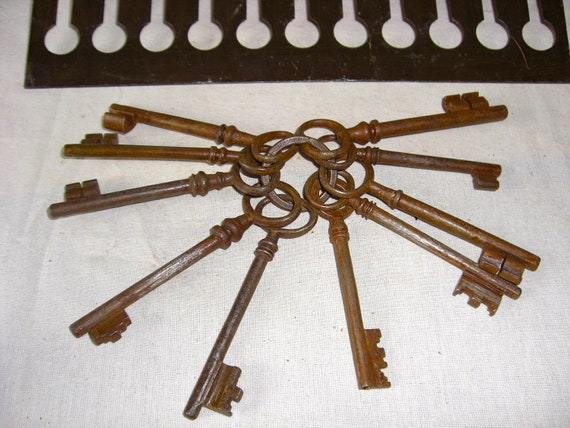 Antique set of old victorian keys