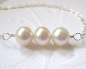 White freshwater pearl necklace, Bridesmaid gift,  Wedding necklace, Pearl trio, Bridal jewelry, Mother's necklace, Simple pearl necklace