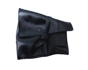 Handmade Recycled Rubber Pouch (Urban Roots collection UR018)