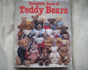 Complete Book of Teddy Bears - Joan Green and Ted Menten