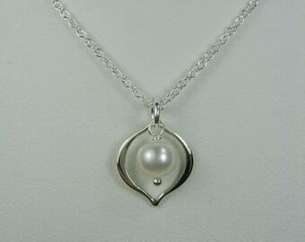 Bridesmaid Jewelry Dainty Bridesmaid Necklace - Single Pearl Necklace Bridesmaid Gift - Real Pearl Necklace - Wedding Jewelry