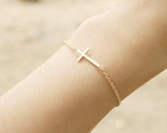 Sideways Cross Bracelet in gold - S3278-1