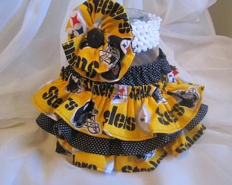 Pittsburgh Steelers colors Ruffle Bloomers with Matching Headband  Set --  Football girl - Steelers baby  -  Baby Girl Steelers
