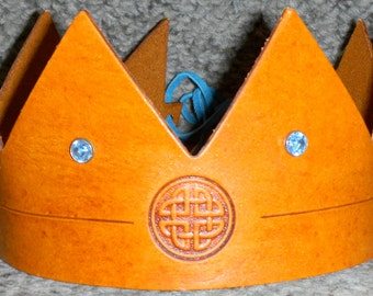 Crown w/Celtic Knot Emblem - Handmade Leather