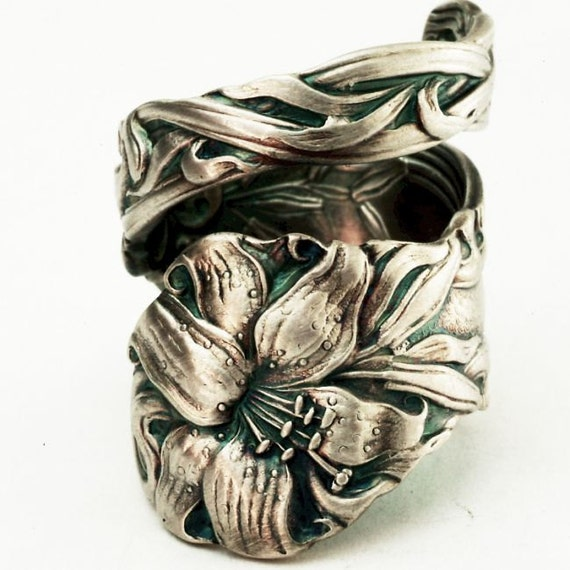 Spoon Ring Lovely Frontenac Victorian Era Sterling Ring, Lily Pattern Made in YOUR size (2710)