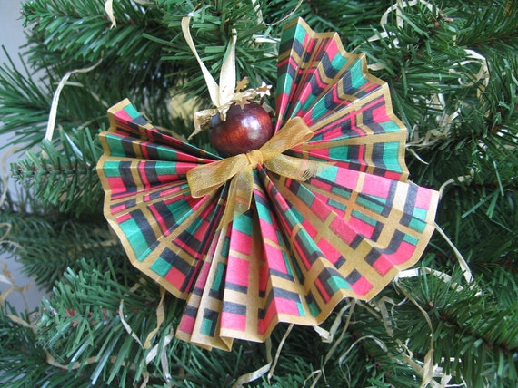 Paper Ribbon Angel Christmas Ornament Red Green Gold Plaid Angel