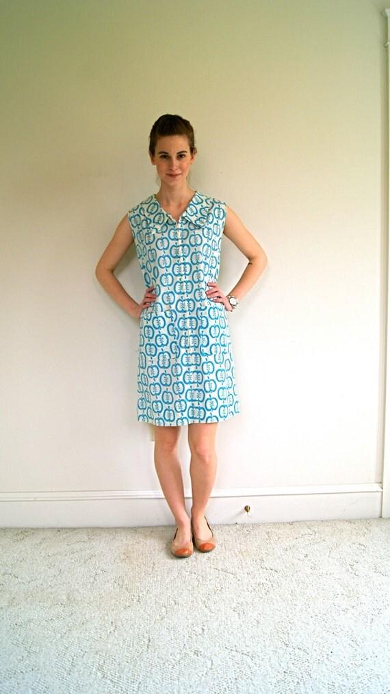 70s House Dress. Novelty Print Frock. Blue Apple Print. Medium.