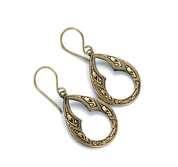 BOHO Earrings KEYHOLE Steampunk Earrings Teardrop Earrings Antique Brass Gothic Arch Steam Punk Steampunk Jewelry by Victorian Curiosities