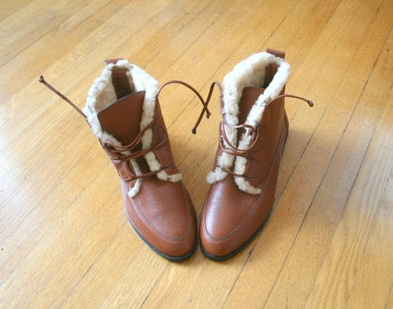 80s LEATHER BOOTS ...size 5.5 women....boots. shoes. fall. winter. mod. boho. hippie. retro. vintage boots. 80s accessories
