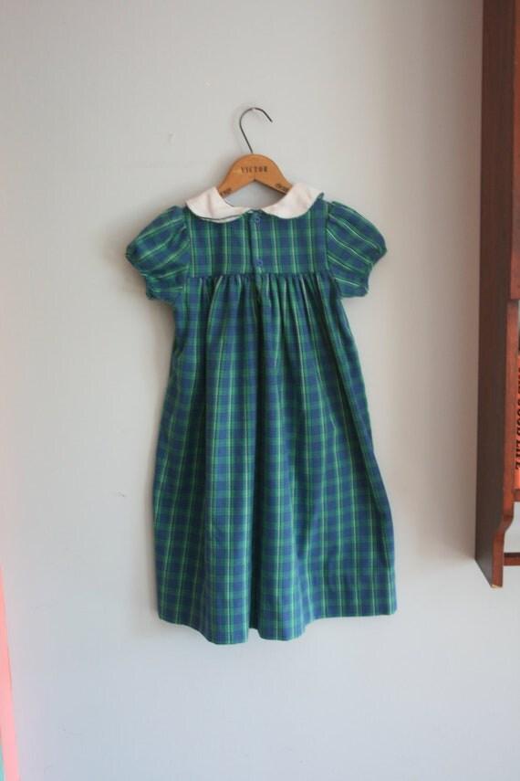Vintage BLUE PLAID Kellys Kids Girls Dress....size 6...girls. kids. children. blue. plaid. school girl. vintage kids. mod. classic.